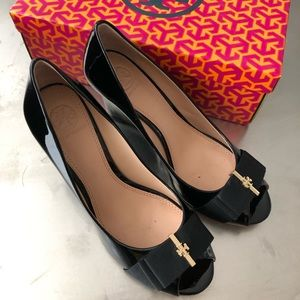 Tory Burch Trudy bow open toe wedge